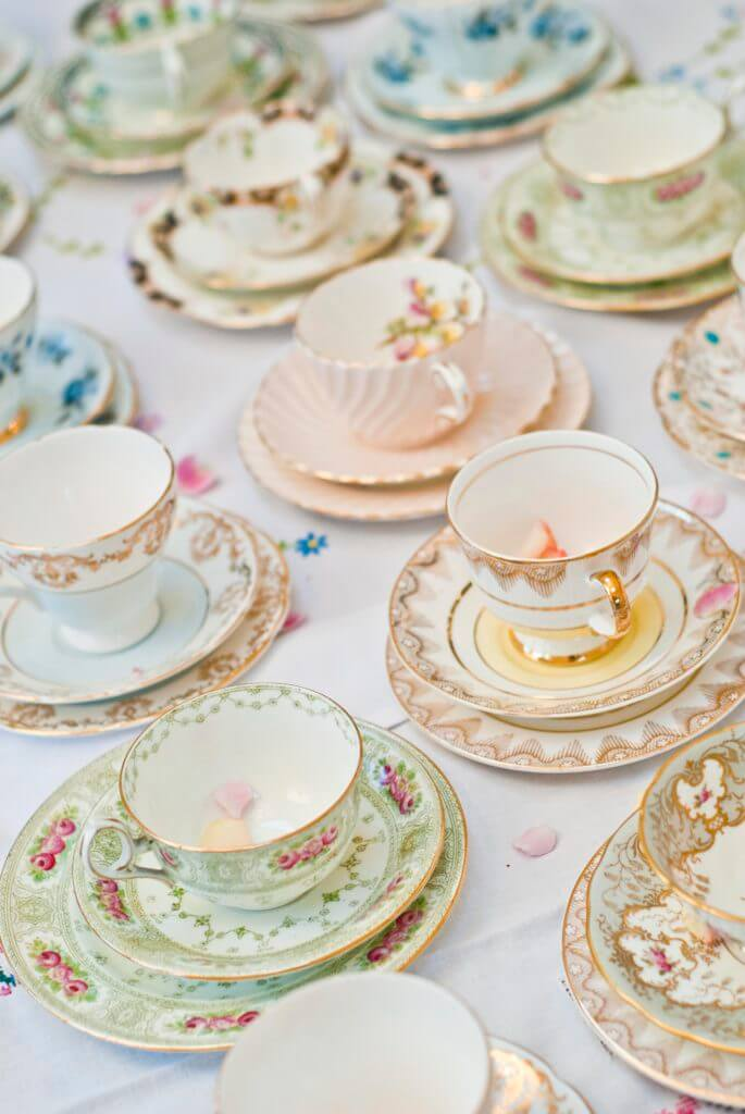 PrettyLittleTrio Vintage hire china1
